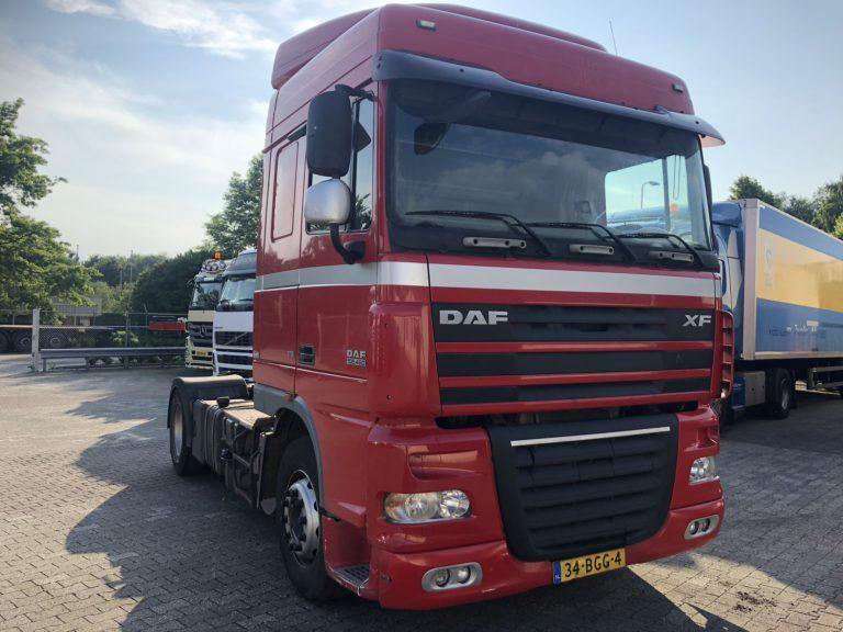huur uw vrachtwagen DAF XF rood