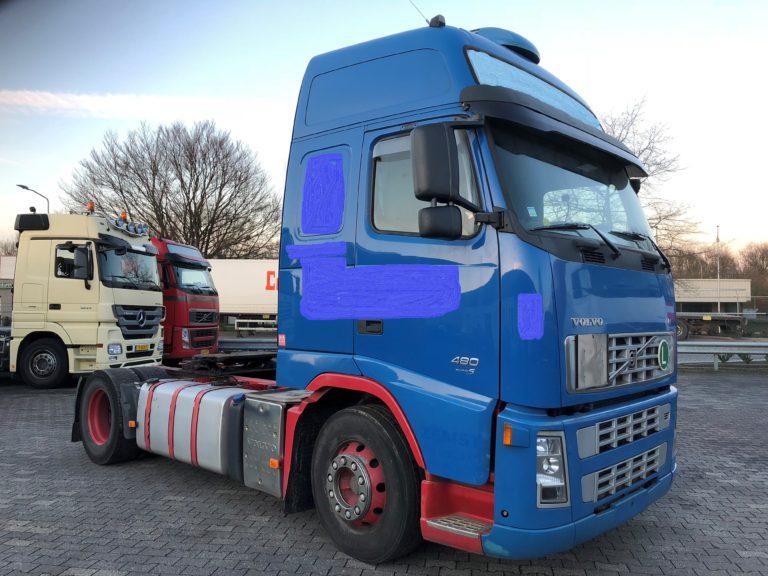 vrachtwagen huren blauwe volvo 480 euro 5