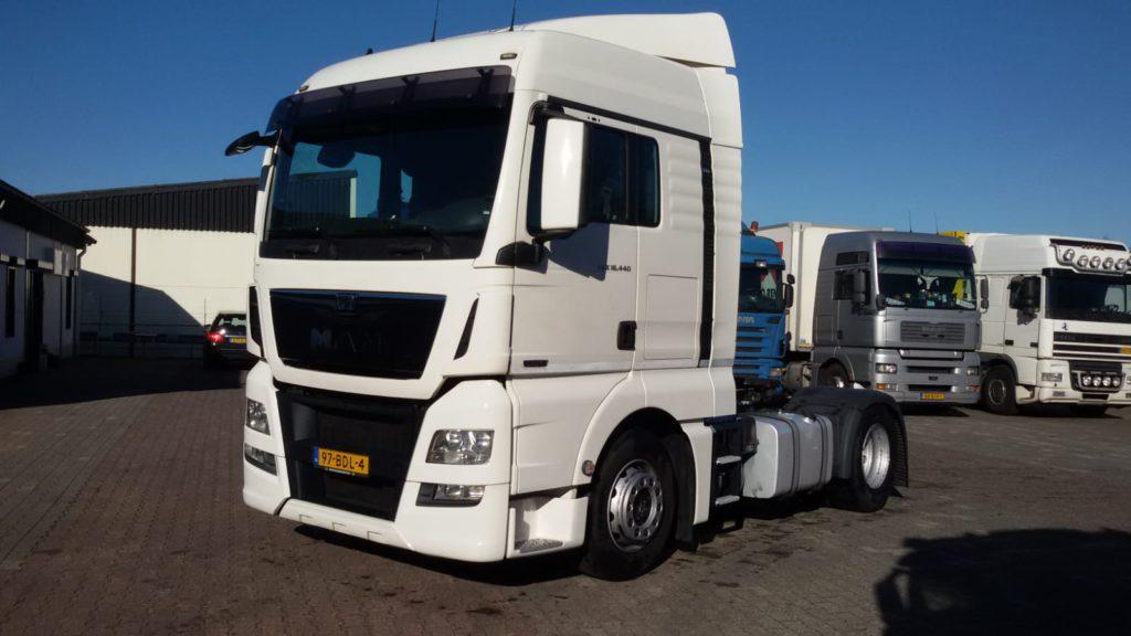 witte MAN TGX Euro 6 vrachtwagen verhuur